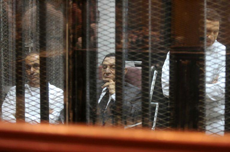Δεν κρίνει το Κάιρο ένοχο τον Μουμπάρακ για τους θανάτους διαδηλωτών | tovima.gr