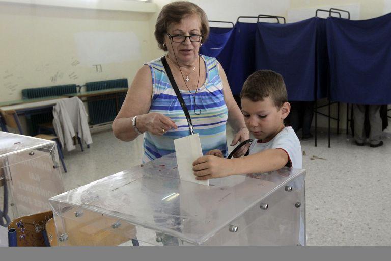 Σε 75 δήμους προτίμησαν «νέο αίμα» αντί τον «δοκιμασμένο» δήμαρχο | tovima.gr