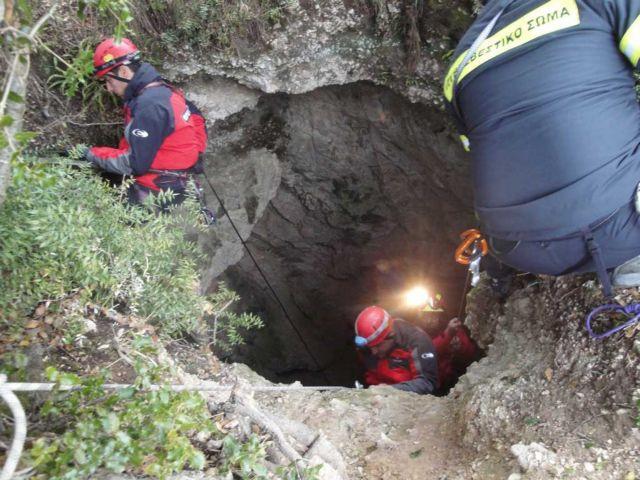 Πενηντάχρονος ανασύρθηκε νεκρός από πηγάδι στη Δροσιά | tovima.gr