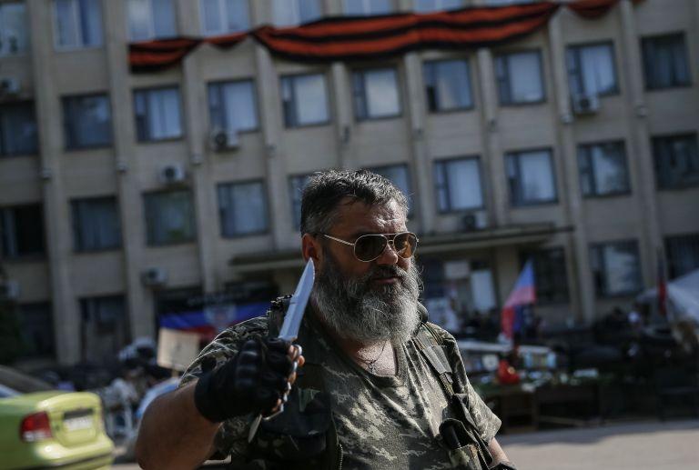 Ουκρανία: Αυτονομιστές κατέρριψαν ελικόπτερο του στρατού   tovima.gr