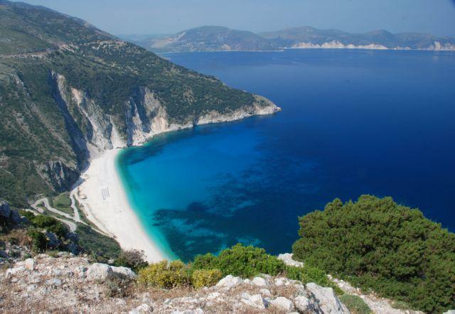 Κεφαλλονιά: Προσβάσιμη ξανά η παραλία του Μύρτου | tovima.gr