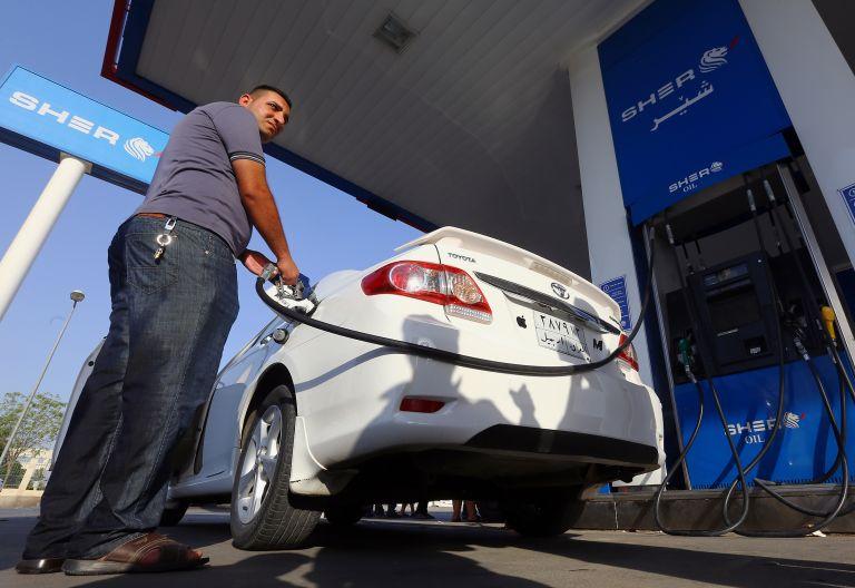 Λαθρεμπόριο καυσίμων και πειραγμένες αντλίες πλήττουν τις πετρελαϊκές εταιρείες | tovima.gr