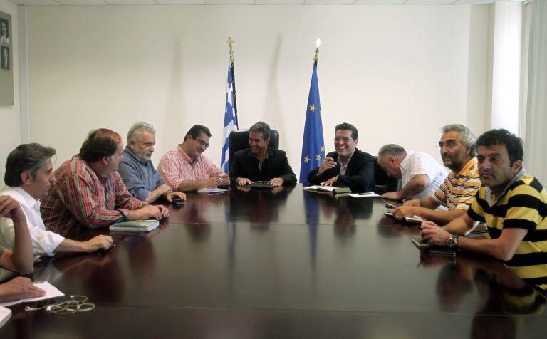 ΔΟΕ προς Λοβέρδο: Υπάρχουν ρουσφετολογικές μετατάξεις | tovima.gr