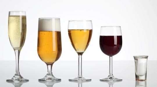 Ποιές ετπά μορφές καρκίνου σχετίζονται άμεσα με το αλκοόλ; | tovima.gr