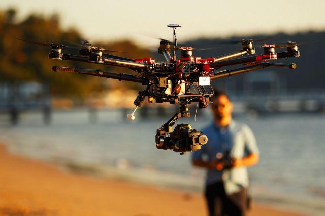 ΗΠΑ: μελετούν την υποχρεωτική καταγραφή των ιδιοκτητών drones    tovima.gr