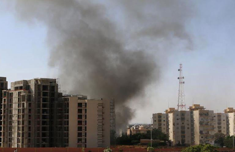 Λιβύη: Εκρήξεις στο αεροδρόμιο της Τρίπολης από παραστρατιωτικούς | tovima.gr