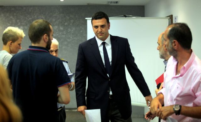 Minister of Public Order meets with SYRIZA officers | tovima.gr
