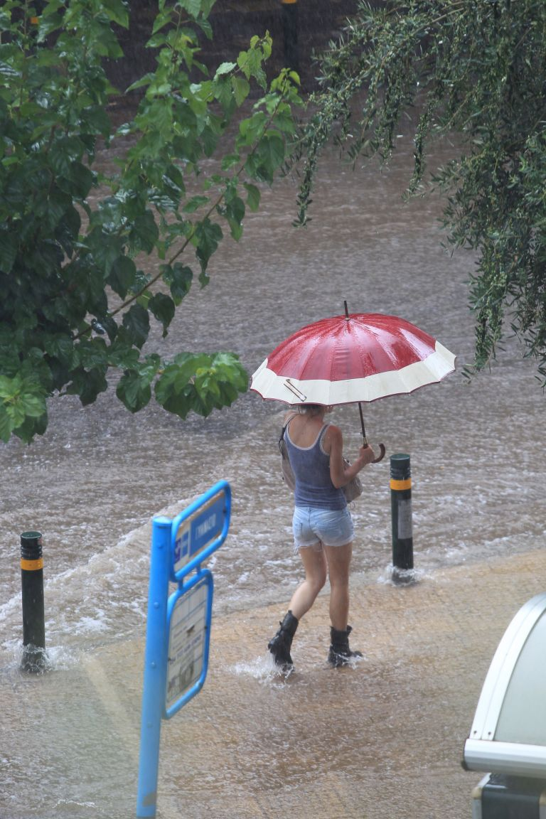 Βαθμιαία επέκταση των βροχών και καταιγίδων | tovima.gr