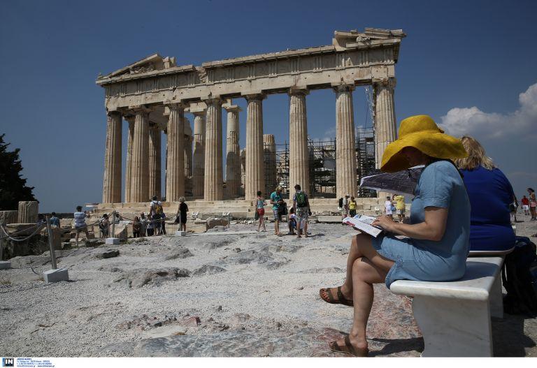 Τρία χρόνια μπροστά ο τουρισμός με 21,5 εκατομμύρια αφίξεις | tovima.gr