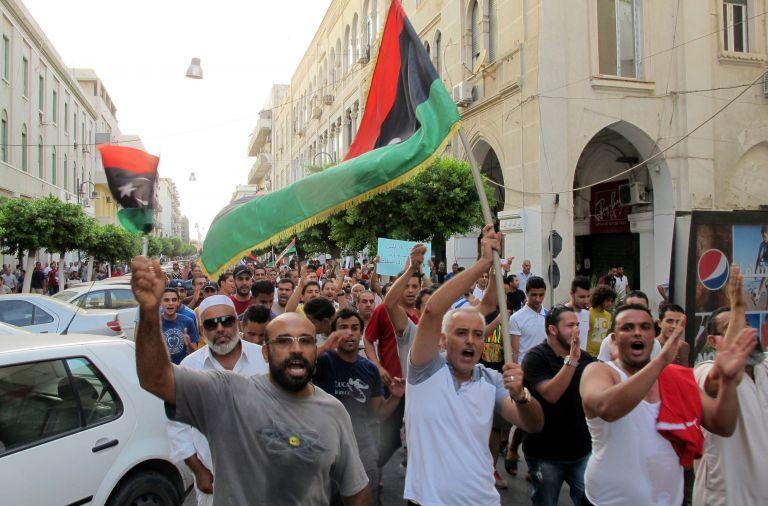 To Λονδίνο καλεί σε στήριξη της κυβέρνησης της Λιβύης | tovima.gr