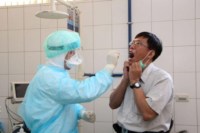 Εξιτήριο για τον κουβανό γιατρό που είχε μολυνθεί από τον Εμπολα | tovima.gr