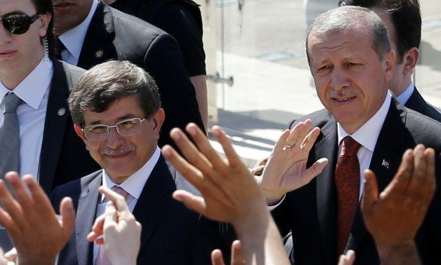 Γιατί ο Ερντογάν καρατομεί τους ως χθες πιστούς συνεργάτες του | tovima.gr