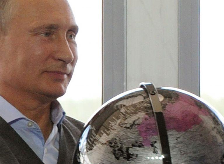 Αντιδράσεις για τη δήλωση Πούτιν αναφορικά με το σύμφωνο Μολότοφ-Ρίμπεντροπ | tovima.gr