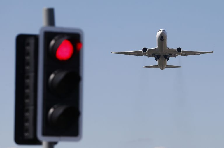 Χίθροου: Απετράπη σύγκρουση Airbus με τηλεκατευθυνόμενο, στο παρά 5′   tovima.gr