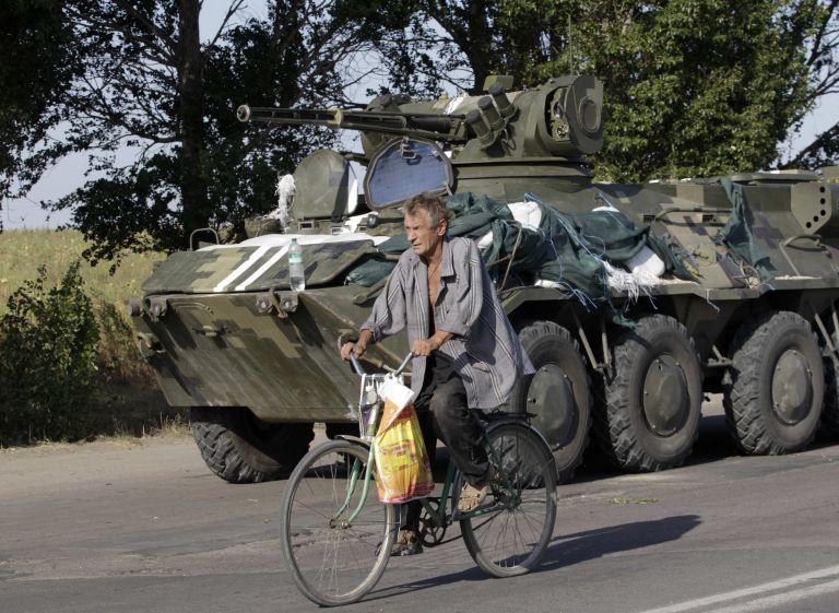 Ουκρανία: Υπέγραφη συμφωνία μεταξύ φιλορώσων αυτονομιστών και Κιέβου   tovima.gr