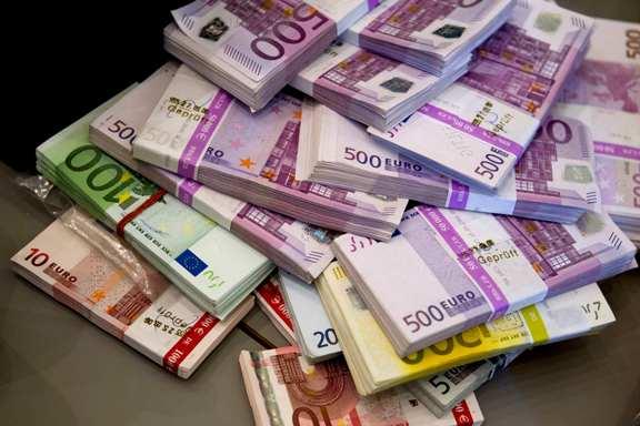 Online γνωριμίες με χρήματα απάτες