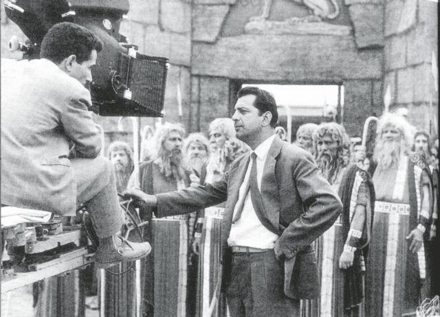 Γιώργος Τζαβέλλας: Ο πρίγκιπας του ελληνικού κινηματογράφου | tovima.gr