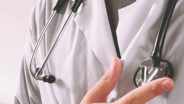 Με οπλίτη-αγροτικό γιατρό θα λειτουργήσει το ιατρείο Σύμης   tovima.gr