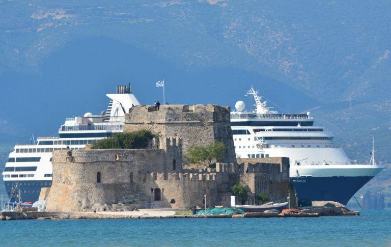 Alpha Bank: Στα 22,5 εκατ. οι τουριστικές αφίξεις το 2014 | tovima.gr