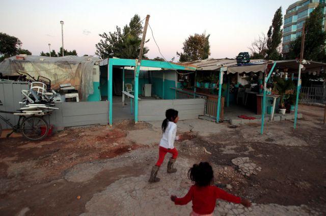 Υγειονομική παρέμβαση σε καταυλισμό Ρομά στην Πάτρα | tovima.gr