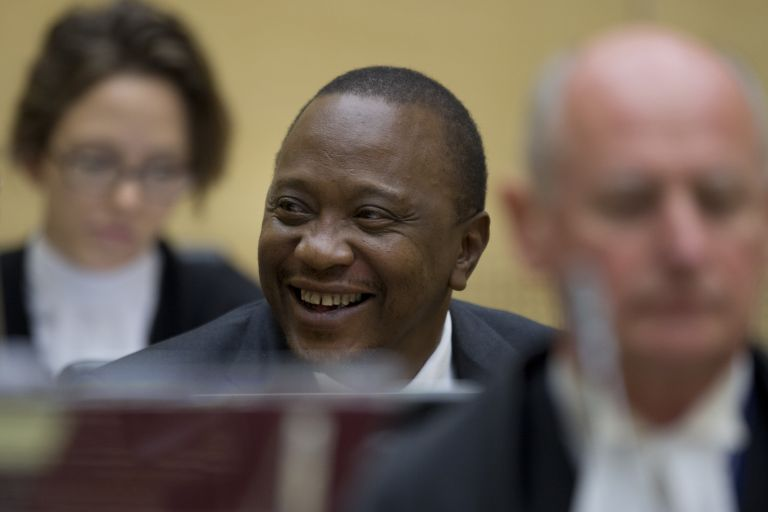 Ενώπιον του Διεθνούς Ποινικού Δικαστηρίου ο πρόεδρος της Κένυας | tovima.gr