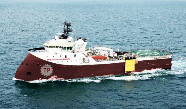 Συνοδευτικό σκάφος του τουρκικού «Μπαρμπαρός» προσέκρουσε σε ξέρα | tovima.gr