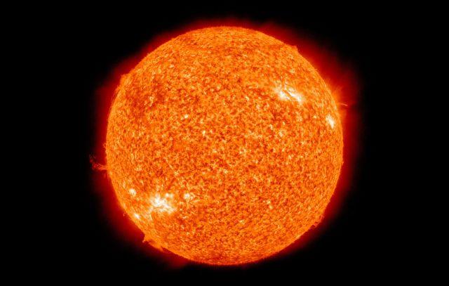 Ο Ήλιος εκπέμπει σκοτεινή ύλη; | tovima.gr