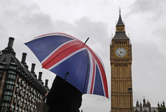 Οι νέοι της Βρετανίας γυρίζουν την πλάτη στον καπιταλισμό | tovima.gr