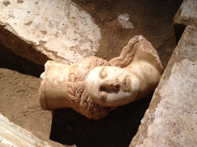 Βρέθηκε το κεφάλι της σφίγγας στην Αμφίπολη | tovima.gr