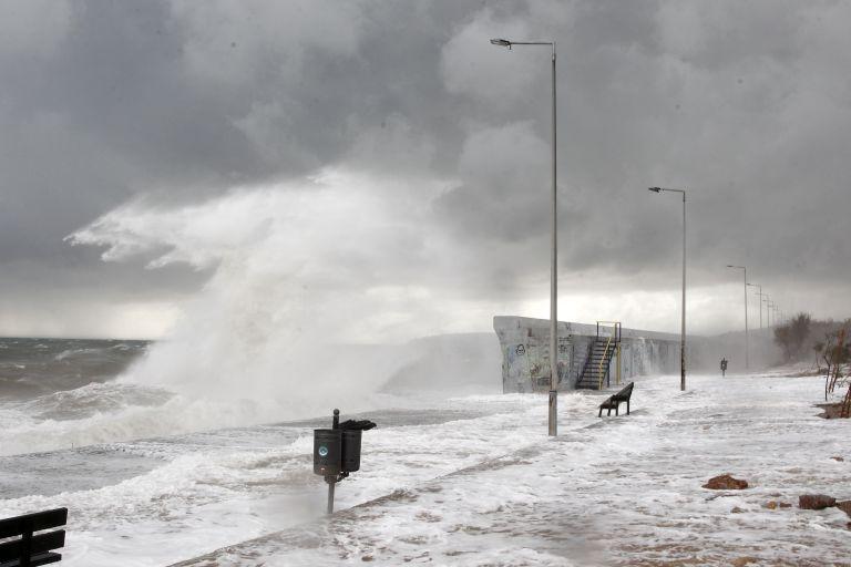 Χιόνια, καταιγίδες και πτώση της θερμοκρασίας σε όλη τη χώρα | tovima.gr
