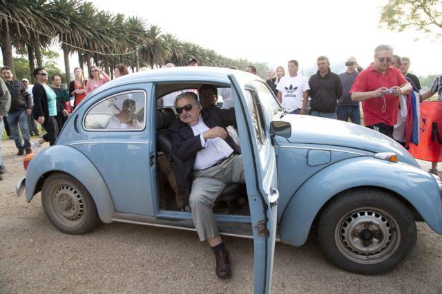 Ο εναλλακτικός τέως πρόεδρος της Ουρουγουάης «στόλισε» και τον Μαδούρο   tovima.gr