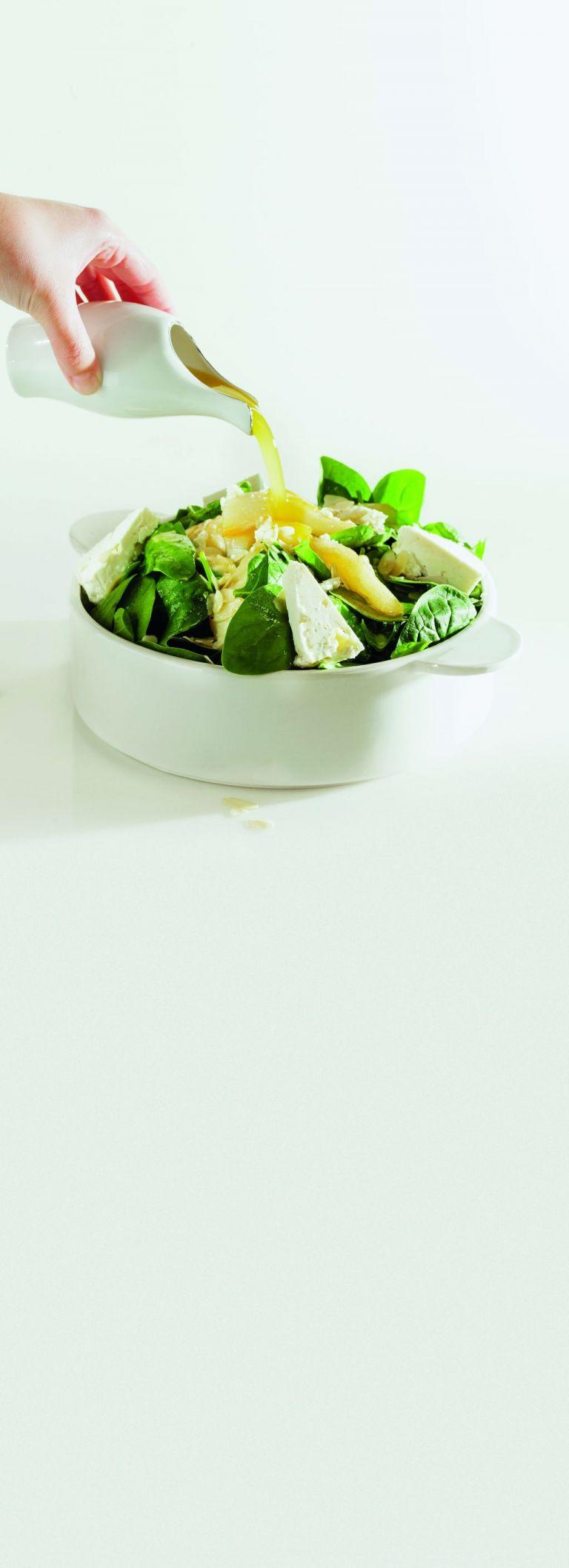 Σαλάτα με σπανάκι και καλαθάκι Λήμνου | tovima.gr