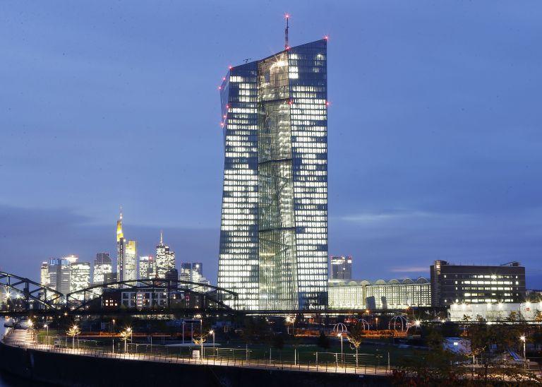S&P: Επισφαλές το σχέδιο της ΕΚΤ για πρόσθετη ρευστότητα €1 τρισ. | tovima.gr