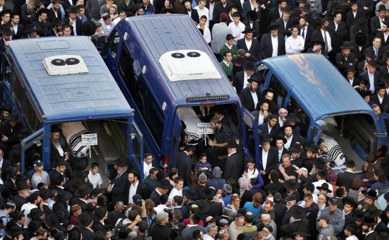 Στους πέντε οι νεκροί της επίθεσης σε συναγωγή στην Ιερουσαλήμ   tovima.gr