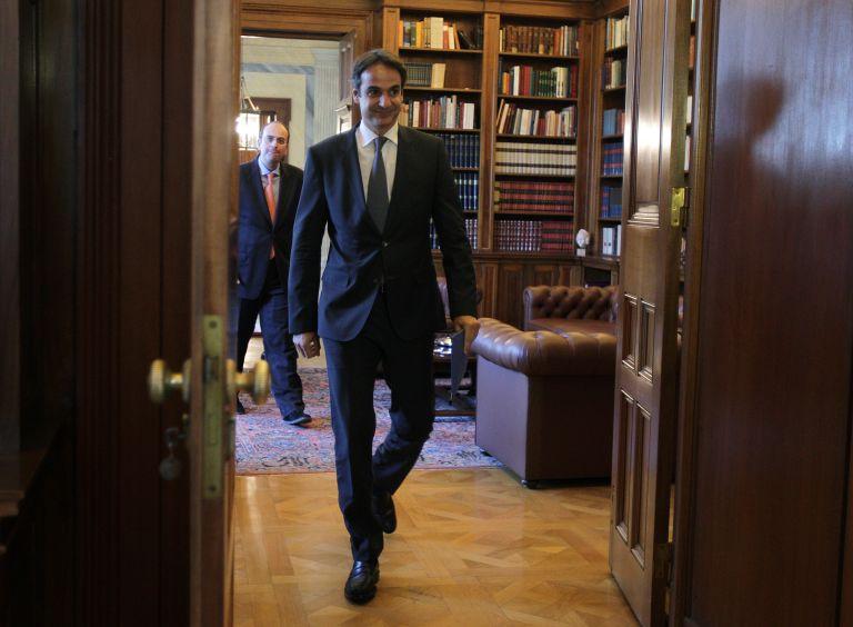 Κυρ.Μητσοτάκης: «Όχι» σε σενάριο αντικατάστασης Δήμα από Κουβέλη   tovima.gr