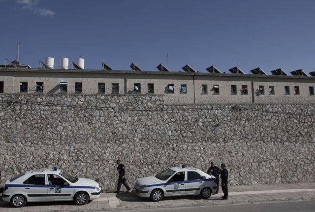 Ψάχνουν τέσσερις αλβανούς εκτελεστές για 20 «συμβόλαια θανάτου»   tovima.gr