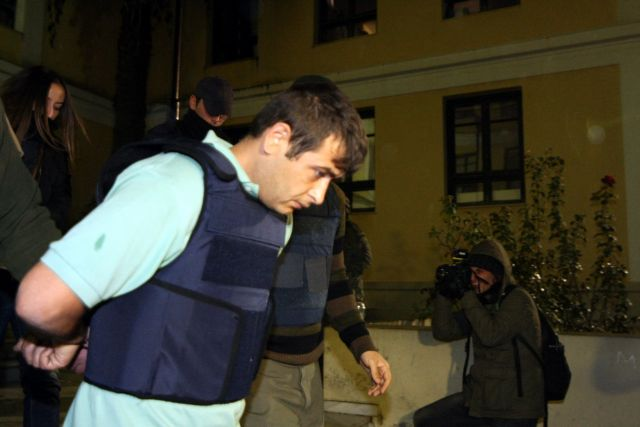 Courts decide to detain Mikrolimano gunman after stating his plea | tovima.gr
