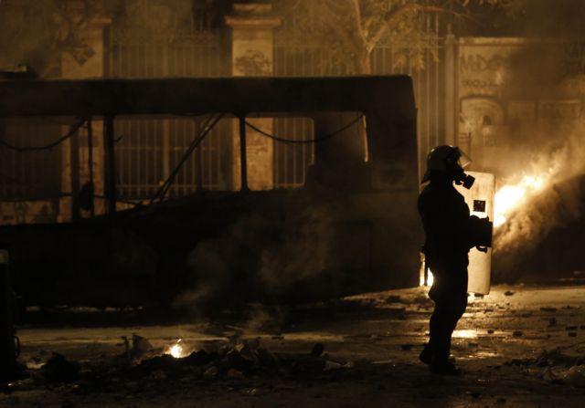 22χρονος Γάλλος συνελήφθη να σπάει κάμερες στο Πολυτεχνείο | tovima.gr