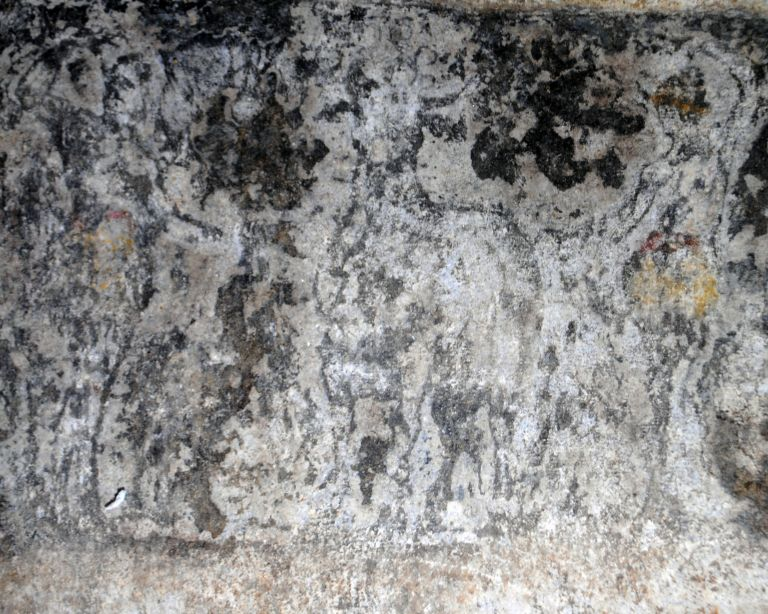 Αμφίπολη: Στο φως οι παραστάσεις των επιστυλίων στον τρίτο θάλαμο του μνημείου | tovima.gr