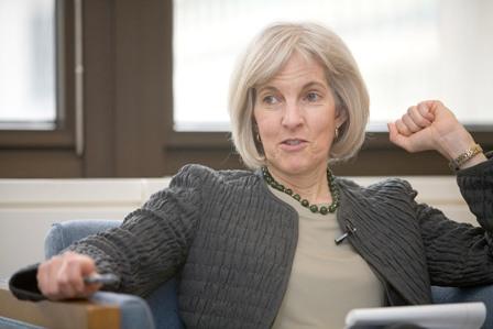 Σούζαν Σάντλερ: Οι αγορές δεν έχουν πεισθεί ότι θα τα καταφέρετε χωρίς το ΔΝΤ   tovima.gr