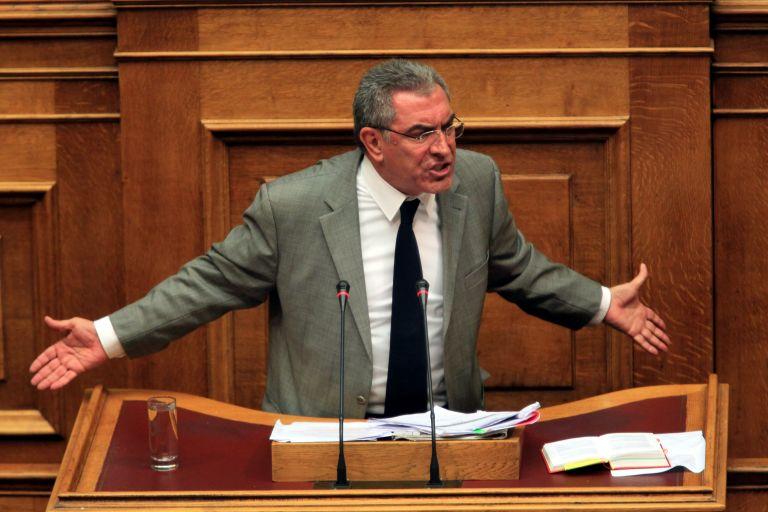 Β. Καπερνάρος: Προσβολή των βουλευτών τα περί αποστασίας | tovima.gr