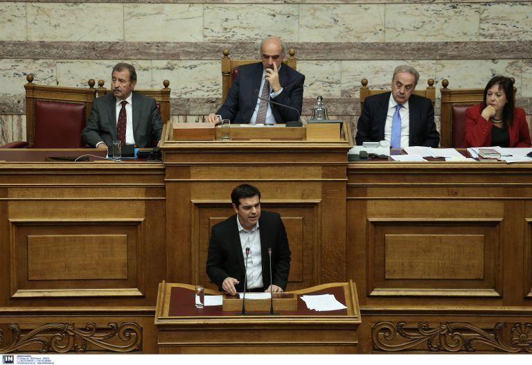 Bloomberg: Ο Τσίπρας προσπαθεί να καθησυχάσει τους επενδυτές ομολόγων   tovima.gr