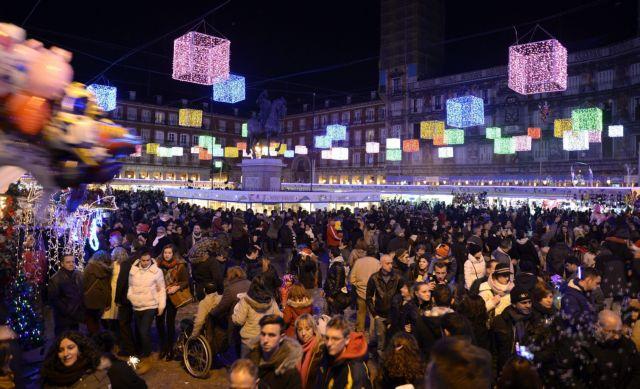 Η κρίση επηρεάζει και τις χριστουγεννιάτικες αγορές | tovima.gr