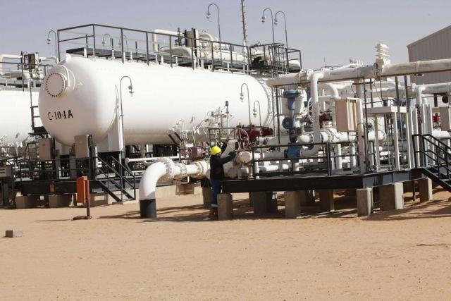 Νέα πτώση των τιμών του πετρελαίου | tovima.gr