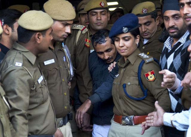 Ινδία: Ισόβια κάθειρξη σε οδηγό ταξί της Uber για βιασμό επιβάτιδος | tovima.gr