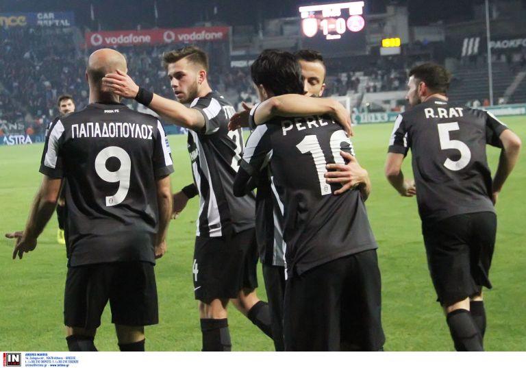 Στα γήπεδα και στην TV | tovima.gr