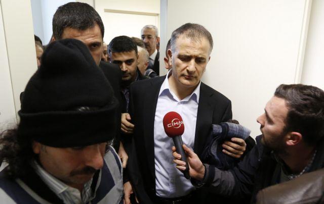 Τουρκία: Η «επιχείρηση-σκούπα» σε ΜΜΕ εντείνει την πολιτική σύγχυση | tovima.gr