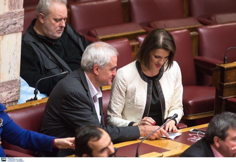 Στη ΝΔ προσχώρησε η ανεξάρτητη βουλευτής Κατερίνα Μάρκου | tovima.gr