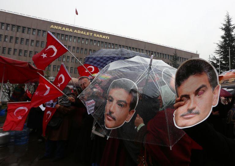 Τουρκία: Δικαστήριο έθεσε υπό κράτηση επικεφαλής ομίλου ΜΜΕ   tovima.gr