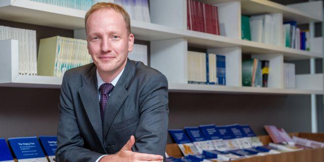 Γκούντραμ Βολφ: «Χρειάζονται επενδύσεις για να γίνει βιώσιμο το χρέος» | tovima.gr